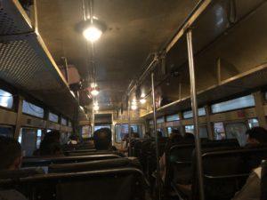 インド エローラ バス