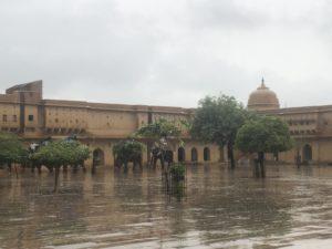 ジャイプール アンベール城 雨季