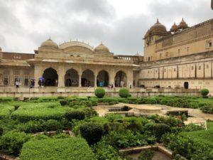 インド ジャイプール アンベール城 雨季
